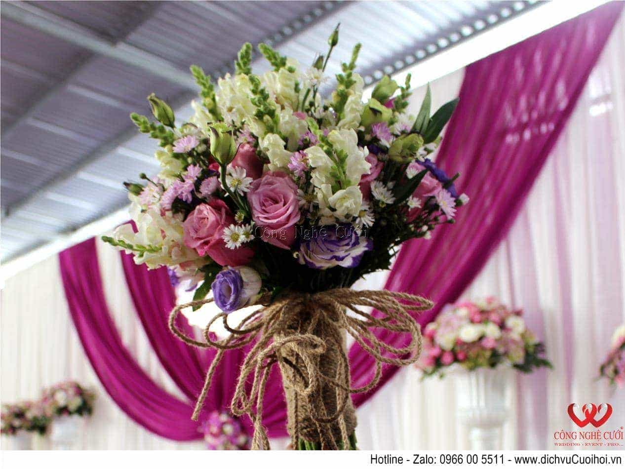 Trang trí tiệc cưới trọn gói tông màu tím-Hoa cưới