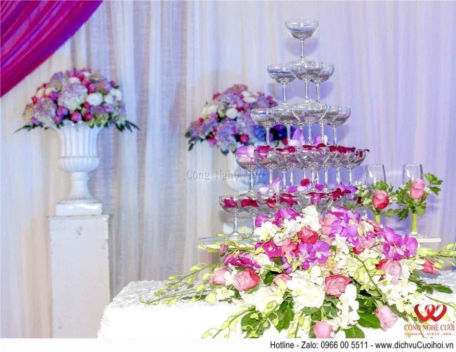 Trang trí tiệc cưới trọn gói tông màu tím