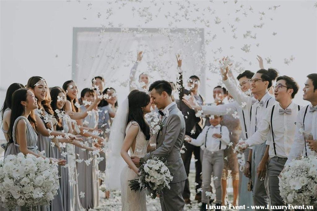 Dịch vụ tổ chức sự kiện đám cưới lãng mạn và sang trọng ...