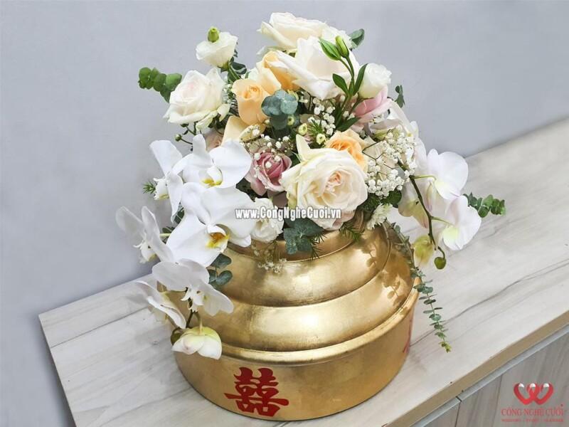Mâm quả kết hoa tươi