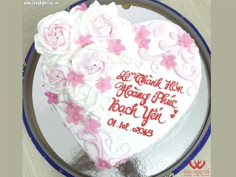 Mâm quả bánh kem cưới hỏi