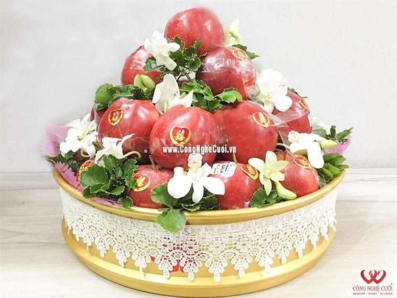 Mâm quả trái cây táo đỏ cưới hỏi